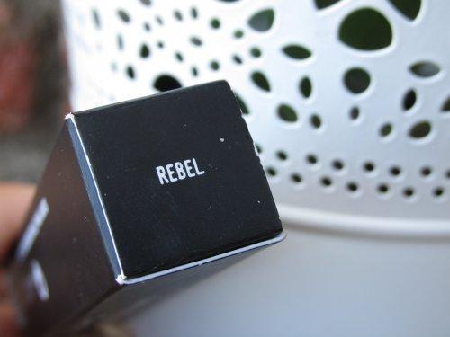 MAC Lipglass Rebel (3)
