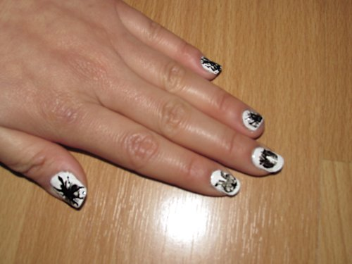 Rosarch nails