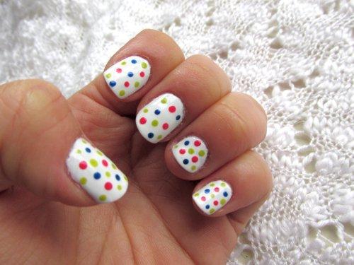 nails colourful dots3