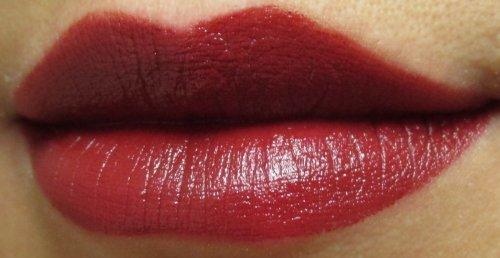 Rimmel Moisture renew lipstick 420 Burgundy delight1