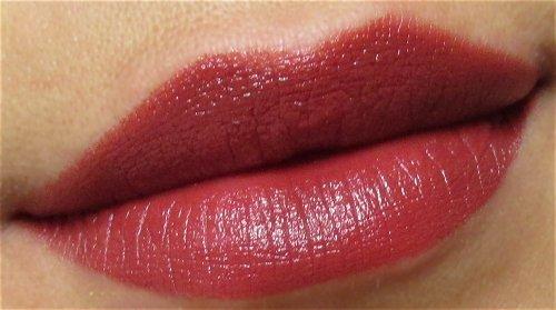 Rimmel Moisture renew lipstick 440 Plumful1