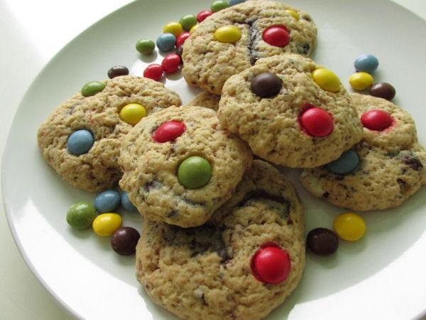 Chocolate chip smartie cookies