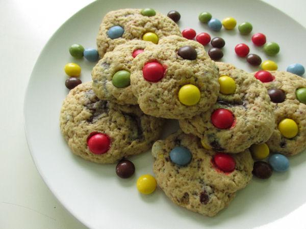 Chocolate chip smartie cookies1