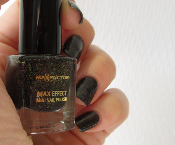 Max Factor Maxeffect mini nail polish2