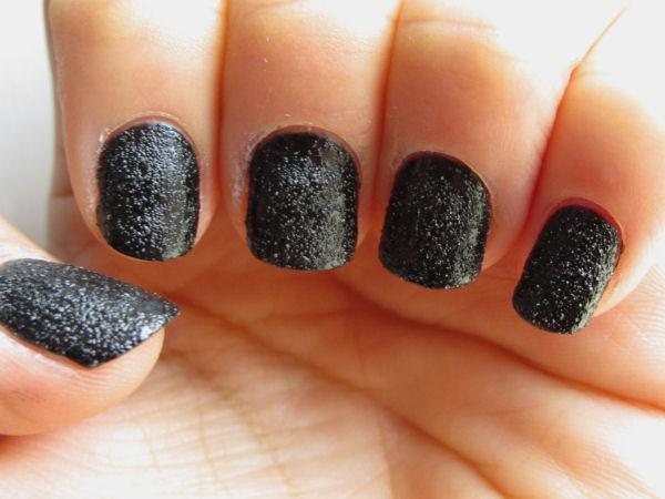 2B Leather Effect Nail polish Black2