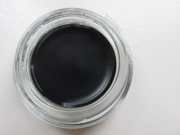 Maybelline gel-cream eyeshadow 60 Timeless black (1)