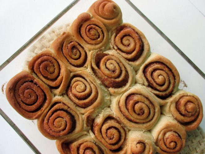 Cinnamon roll (1)