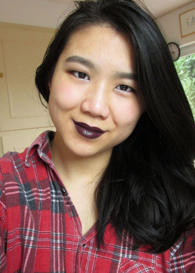 KIKO Luxurious Lipstick Cherry Black (2)