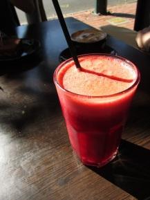 Eerste keer een groentensapje geproefd: wortel, appel en bietensap - zo rijk aan vitaminen!