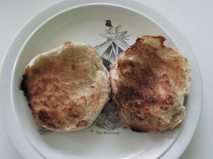 Hamburger, tomaat, spinazie en aardappelsalade (1)