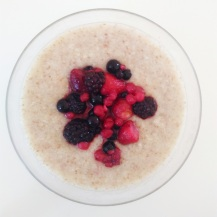 Oatmeal with red fruit