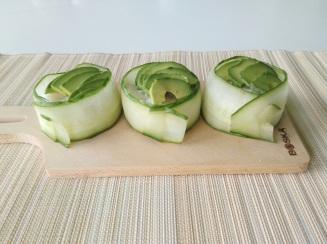 Foodshots Supersized Gunkan Indpired Sushi rice avocado cucumber (3)