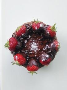 Chocolate coconut pie with strawberry1