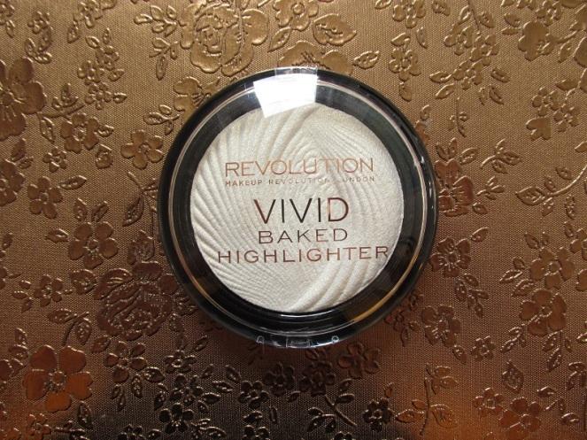 Makeup Revolution Vivid Baked Highlighter (1)