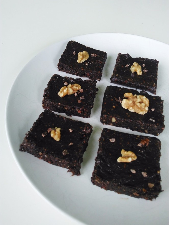 Rawvegan No Bake Brownies (2)