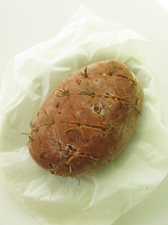 Italian Sun-dried Tomato & Herb Bread (1)