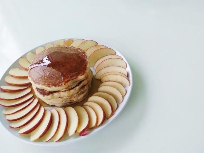 Vegan Cinnamon Apple Pancakes (12)