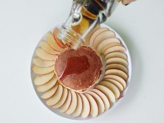 Vegan Cinnamon Apple Pancakes (9)