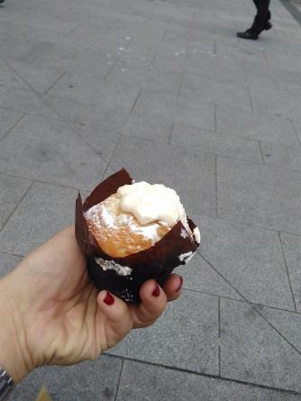 English Victorian sponge muffin (1)